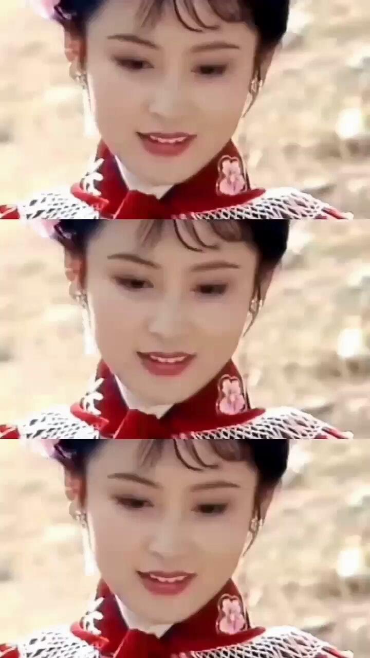 像谁?#让我做你的女王 #AW21中国国际时装周 #颜即是正义