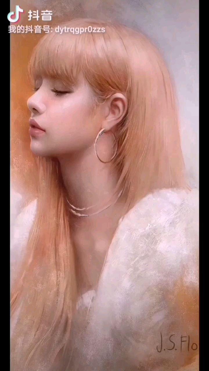 《女孩》  为了梦想一路前行 心中装着那美丽的风景 可现实是那样残酷无情 女孩你可能否适应……