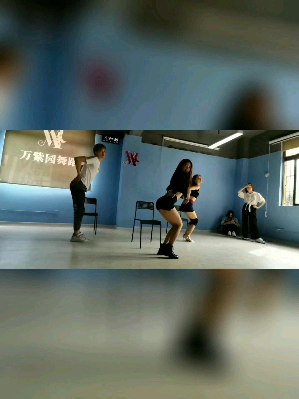 是舞蹈给他们带来的自信@盼盼舞蹈教学 #花椒好舞蹈