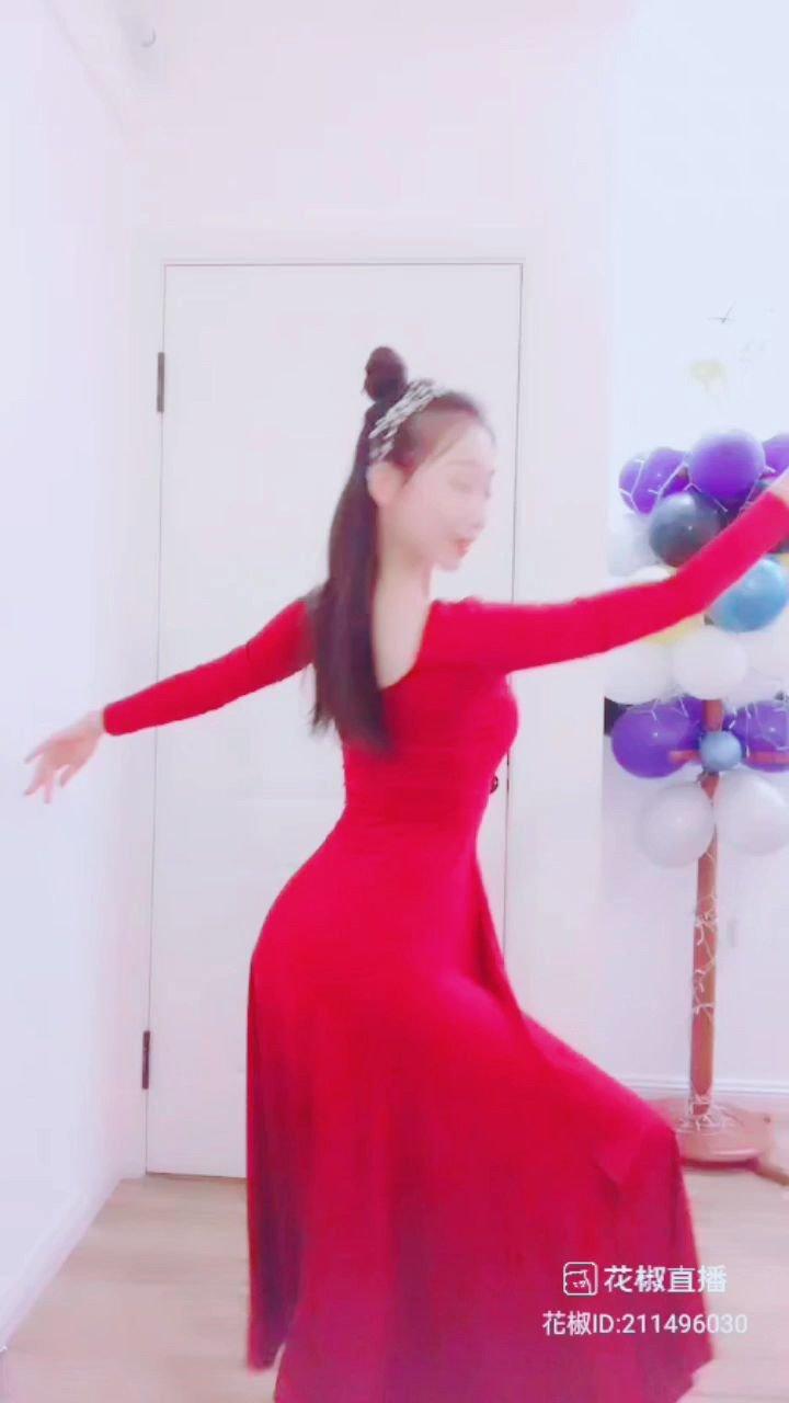 #为新春起舞 #花椒好舞蹈 #谁还没有大长腿了 #租个女友回家过年 ?????@? 艺雅 ? @花椒头条 @花椒热点