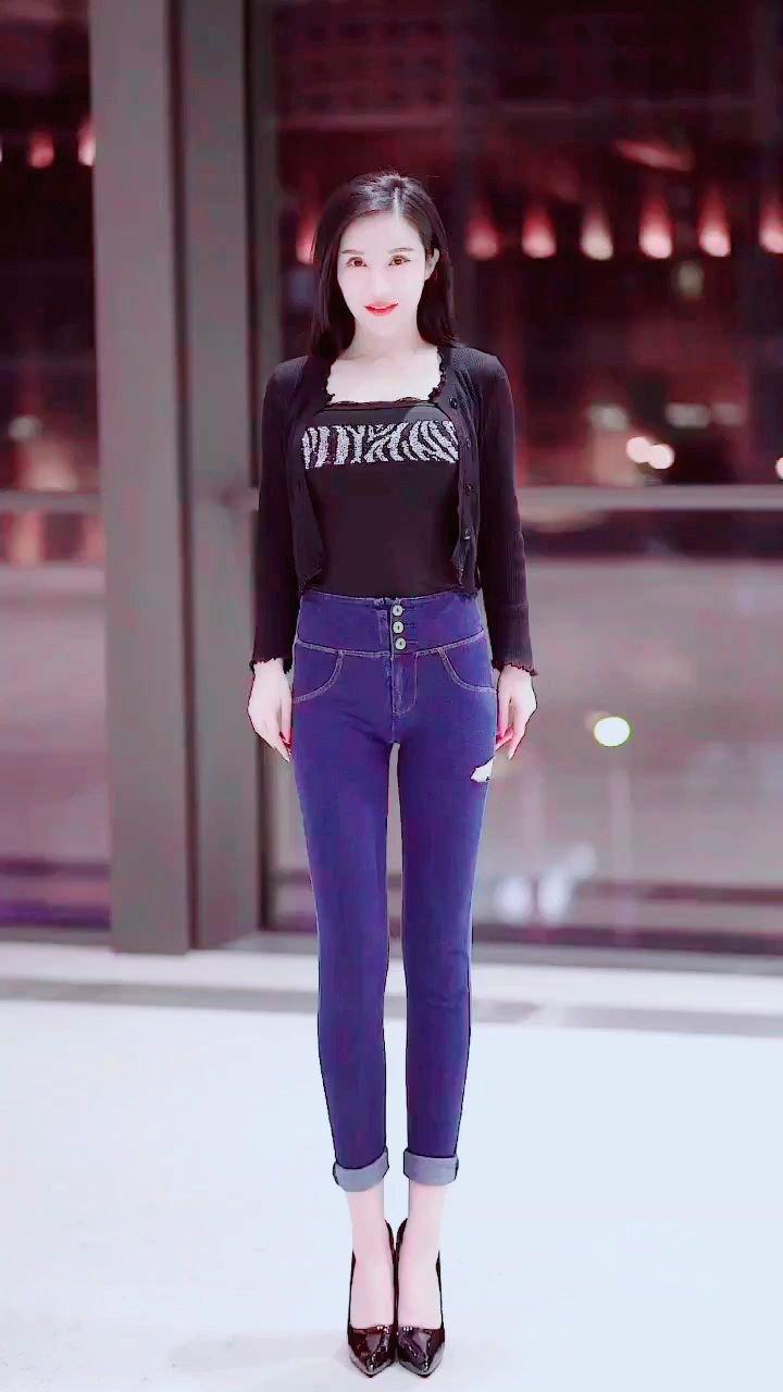 #3月你好 #春暖中国 #谁还没有大长腿了 #花椒好舞蹈 预备,起,跳起來。。??????@鑫大宝热舞Baby @花椒热点 @花椒头条