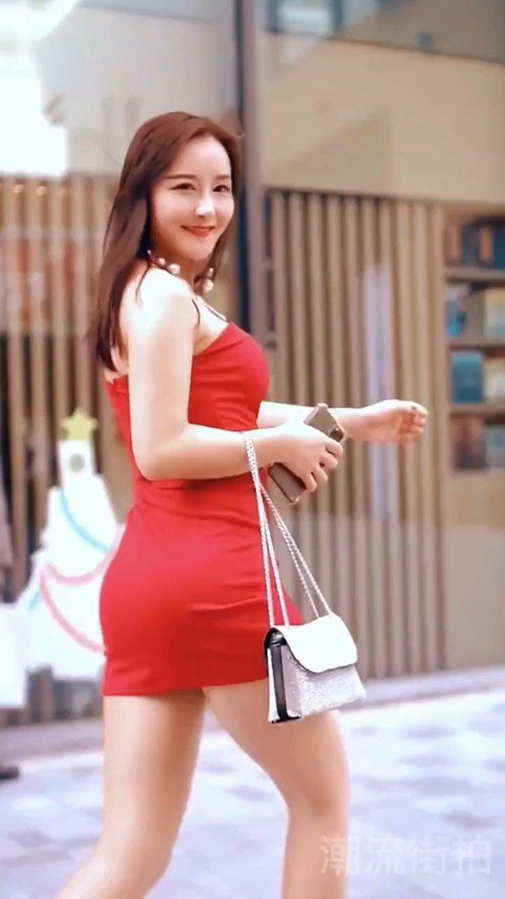#街拍美女#大长腿