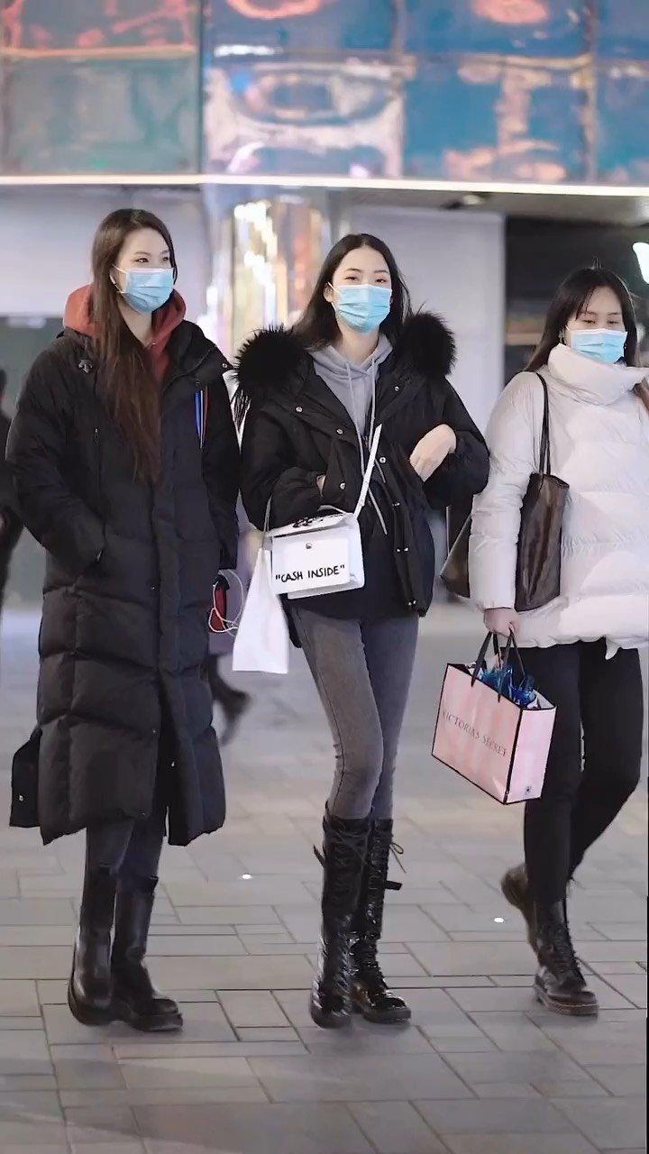 北京街拍,冬天该有的样子,高级穿搭,美丽冻人生存指南
