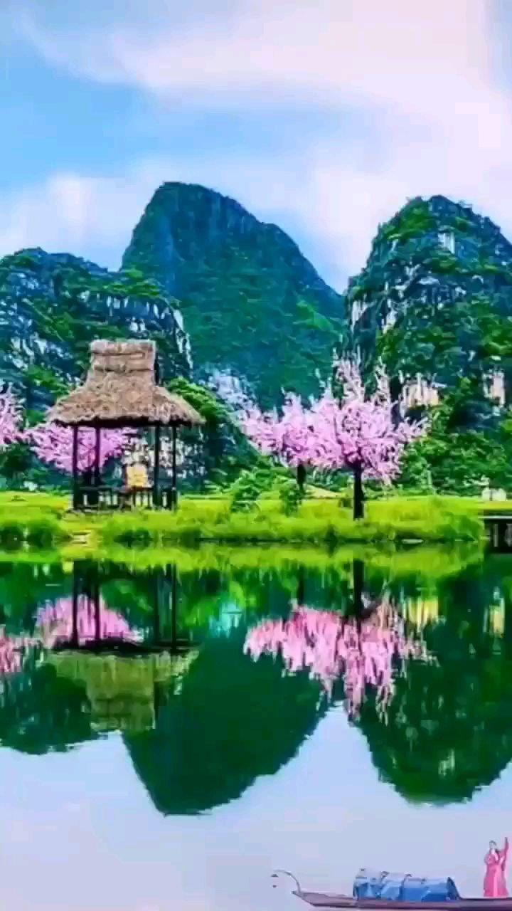 不要问,不要等,不要犹豫,不回头,没有答案的时候,就独自出去见一见这个世界。