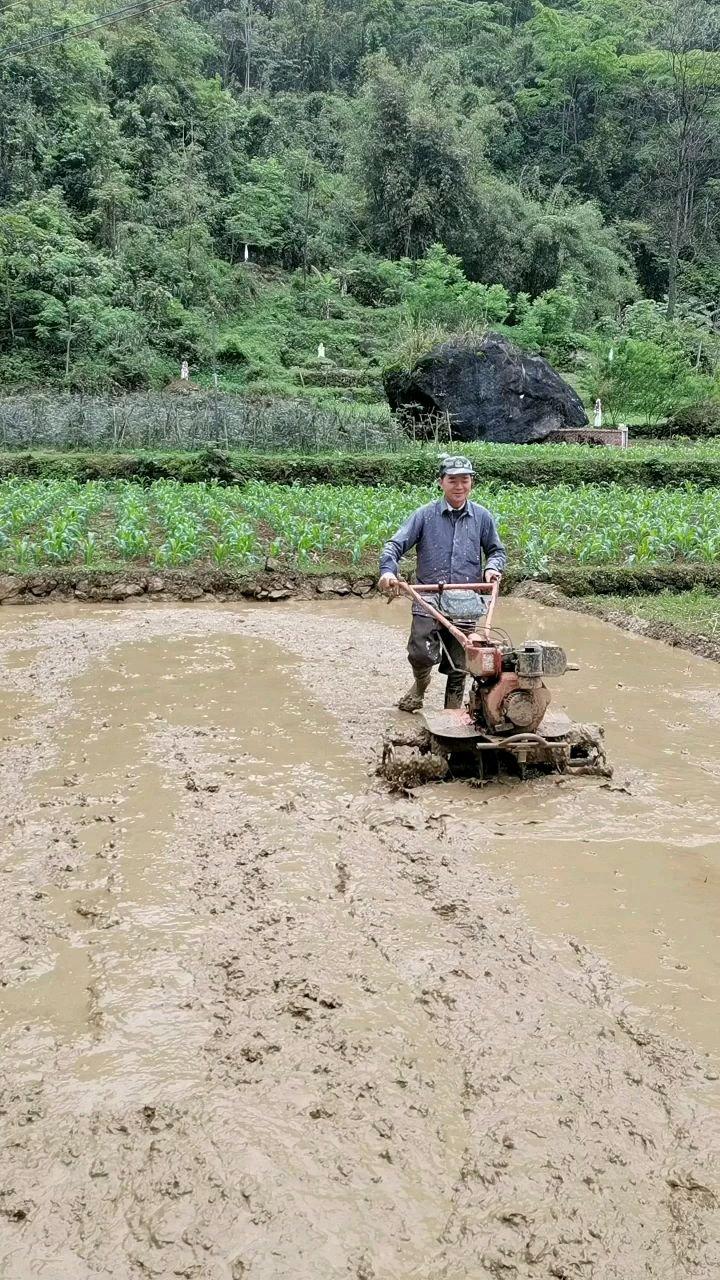 我是一个男人,也是个农民!