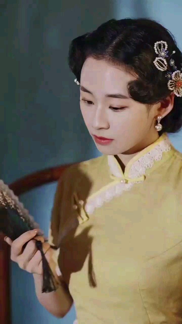 就喜欢旗袍,最能体现我们东方女性之美!#谁还没有大长腿了