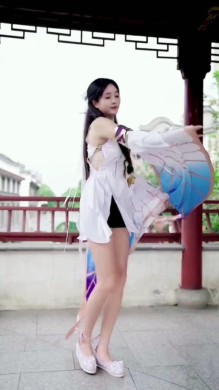 嫦娥应悔偷灵药,碧海青天夜夜心#花椒好舞蹈