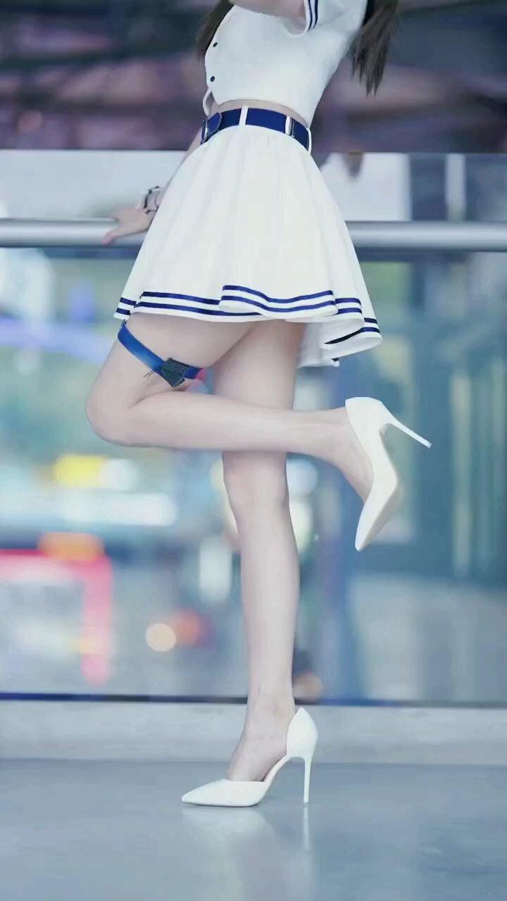 大长腿 %这样的身材打几分 %你动心了吗 %甜美女孩 #谁还没有大长腿了