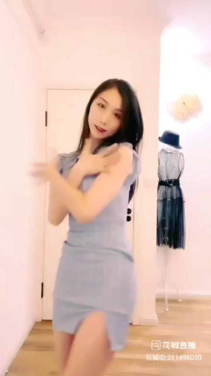 #谁还没有大长腿了 #又嗨又野在玩乐 #花椒好舞蹈 ?????@? 艺雅 ? @花椒热点 @花椒头条