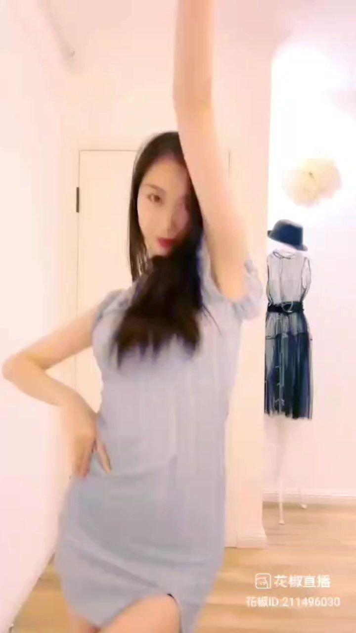 #戏精请就位 #又嗨又野在玩乐 #花椒好舞蹈 ?????@? 艺雅 ? @花椒头条 @花椒热点
