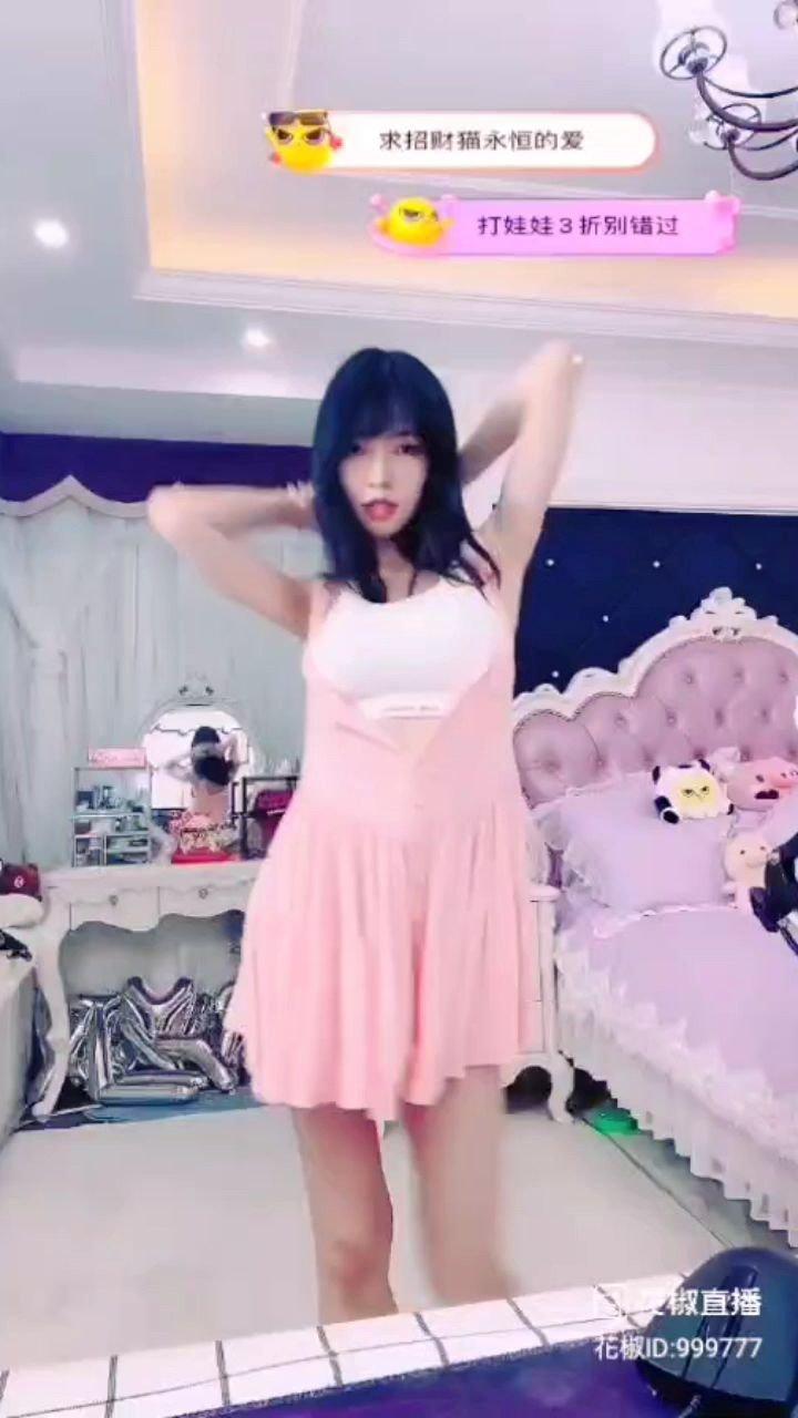 #又嗨又野在玩乐 #颜即是正义 #花椒好舞蹈 ✌✌✌✌✌@你的猫猫 @花椒头条 @花椒热点