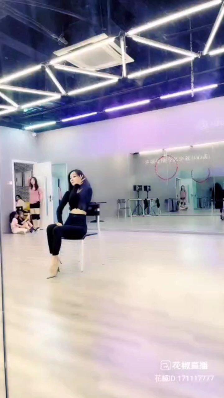 #寻找最美舞者 ???@天蝎柒跳舞