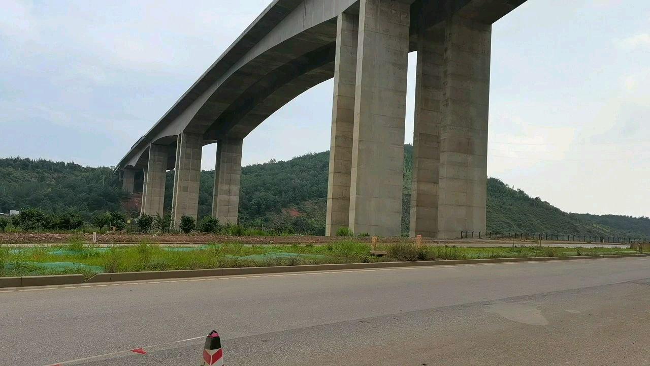 厉害了我的国 中国工程 中国基建 中国公路 ?#带上花椒去旅行