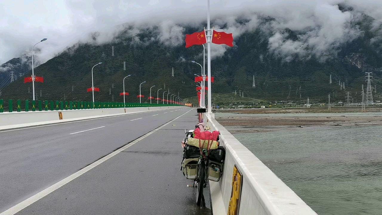 骑行中国 六进西藏之林芝 雅鲁藏布江#带上花椒去旅行 #又嗨又野在玩乐