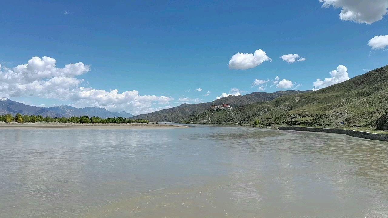 骑行中国 六进西藏之山南 雅鲁藏布江观景台 观拉萨#花椒中秋月满愿成 #带上花椒去旅行 #九月你好